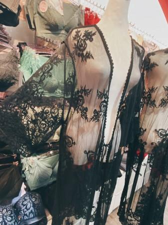 蕾絲長版罩衫外套(黑色)