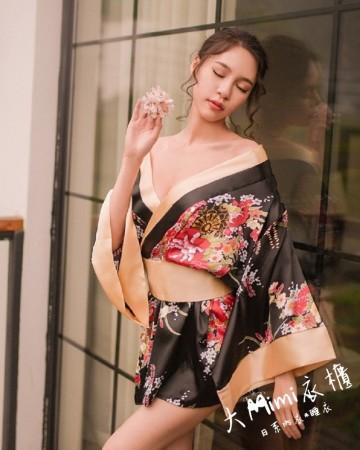 預購-極度誘惑日式和服(2色)