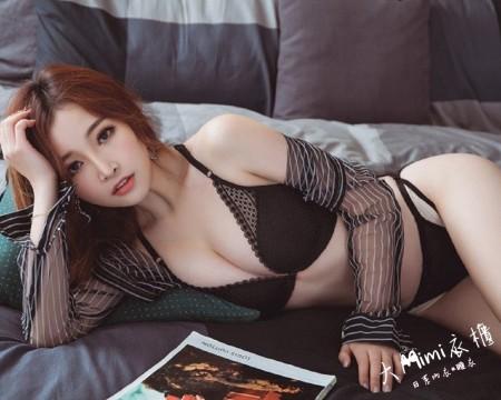 冷小姐前扣美背性感內衣(黑色80/36)