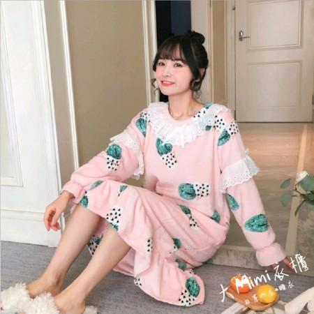 仙人掌法蘭絨裙裝睡衣