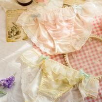 日系夢幻荷葉邊牛奶絲內褲(3色)