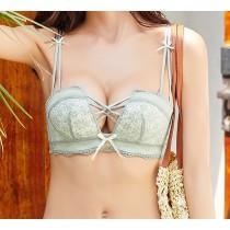 (現貨+預購)深V蕾絲線條造型無鋼圈內衣