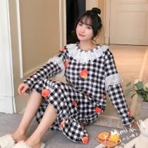 格子草莓法蘭絨裙裝睡衣