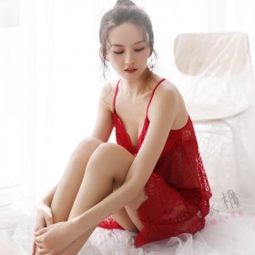 薄款蕾絲花紋性感睡衣