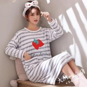 草莓法蘭絨裙裝睡衣